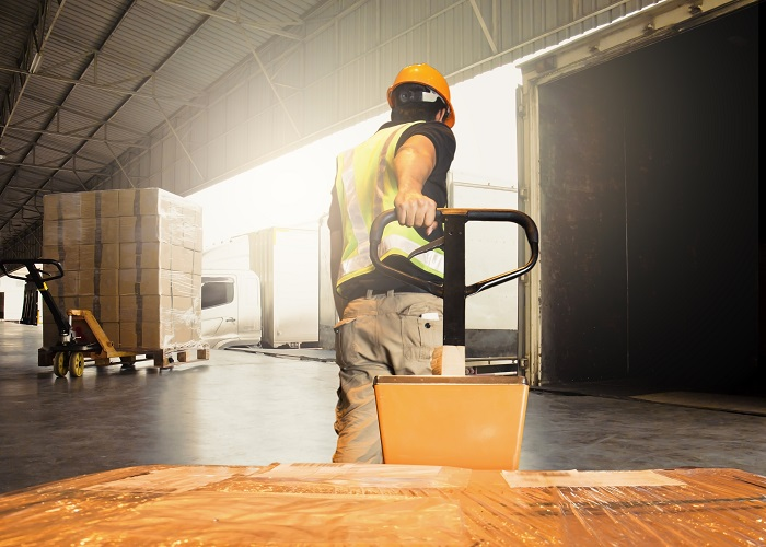 parcel logistics in a warehouse